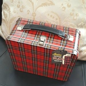 NWT*Aladdin Heritage red plaid 5-pc lunch kit